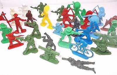 Vintage toy soldiers plastic soldier figure LOT Indian western 1970's Hungary ,