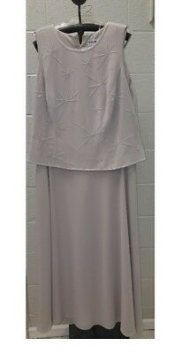size 20 Karen Miller cream mother of bride dress with shawl nwt