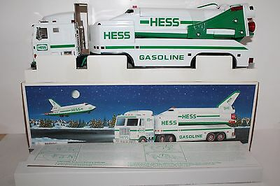 Mint 1999 Hess Toy Truck & Space Shuttle w/ Satellite in Original Box Inserts 2