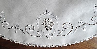 """vintage round fine linen tablecloth, Italian embroidery+cutwork+filet lace 33"""" d"""