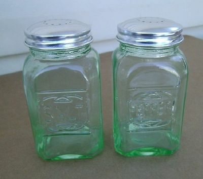 Range Top Depression  Green Glass Square Tall Salt & Pepper Shakers