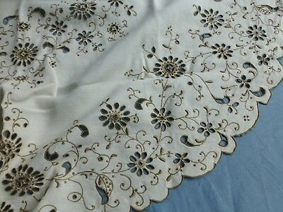 Vintage hand embroidered Madeira lace linen round tablecloth table centre mat