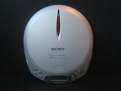 Sony D-NE510 Walkman Portable CD MP3 Player Silver Tested Works