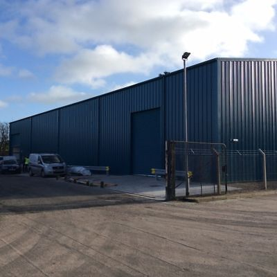 Steel Framed Industrial Building New 15m x 15m x H4 40mm cladding