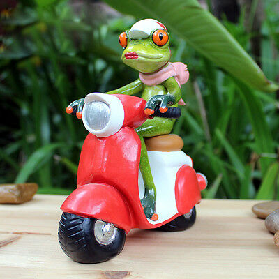 1X Green Frog Figurine Resin Frogs Colleation Cool Riding e-Bike Desktop Decor