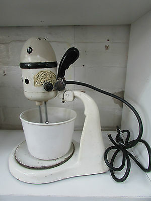 VINTAGE AMERICAN MASTER MIX RITE ELECTRIC MIXMASTER 1940s 50s ANTIQUE BEATERS