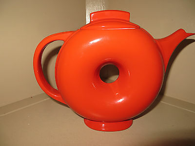 Vintage Hall's Donut Shaped Tea Pot in Chinese Red MINT CONDITION