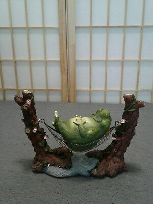 George S. Chen Imports SS-G-61047 Frog On Hammock Garden Decoration