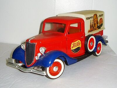 Vintage French Die Cast Ford V8 Truck Beautiful Scale 1:19  Pepsi Cola Nr