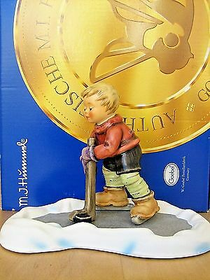 Hum 2143/b Let's Take To The Ice Tm8 Goebel Hummel Figurine Germany Nib L470