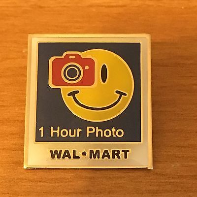 Rare Walmart Lapel Pin 1 Hour Photo Department Smiley Camera Wal-mart Pinback