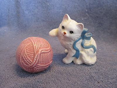 Salt And Pepper Shakers, Vintage Kitten And Ball Of Yarn
