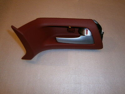 HOLDEN VE R/H FRONT INTERIOR DOOR HANDLE NEW GENUINE colour RED HOT