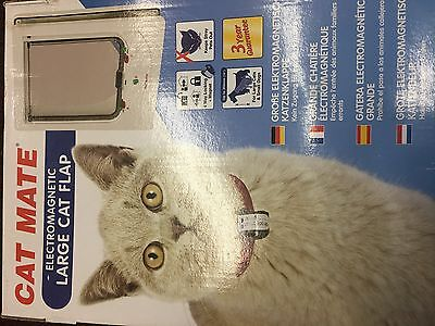 Pet Mate Electromagnetic Pet Flap Large Cat/small Dog White