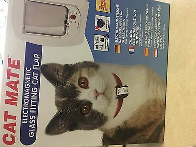Cat Mate Glass Fitting Electromagnetic Flap - White.
