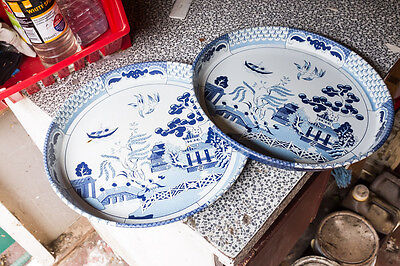 Pair of chinese blue and white serving tin tray. 12 inches diameter. Retro.