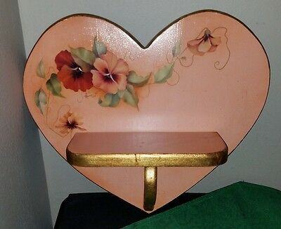 Lovely Vtg 1985 SIGNED LINDA ROBINSON Hand Painted GOLD/MELON Heart Wall Shelf!