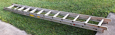 CUPUM  24 foot extension ladder 385 24 ft Type III Aluminum D-Rung Excellent