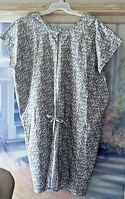 Adorable Maternity Hospital Gown - Hospital Gown - Sz. Med/Large