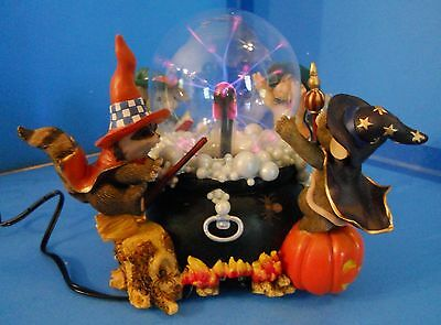 Charming Tails A SPOOKY BREW Halloween Lighted Figurine #85/110