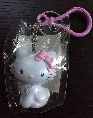 Cute Sanrio Hello Kitty keychain with key ring - pink bow NWT