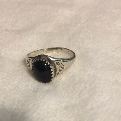 Beautiful Estate Sale Classic 925 Sterling Silver and Onyx Ring Size 7.5