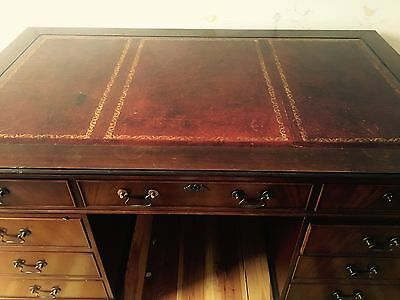 leather top desk in good condition
