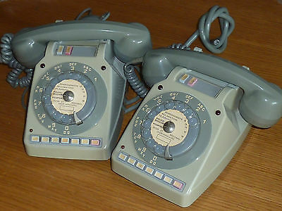 ancien vintage LOT 2 TELEPHONE USINE industriel TELIC PTT old phone ALT TELEFON