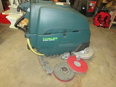 TENNANT NOBLES SS5 AUTO SCRUBBER FLOOR SCRUBBER TESTED 2400 hours
