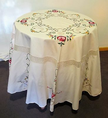 TABLECLOTH Ecru Cross stitch & Hand Crochet ROUND Table Linen Cloth Vintage Tea