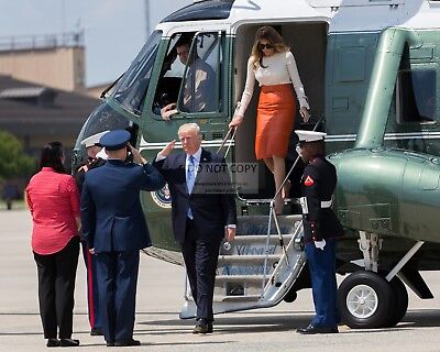 Donald Trump & Melania Depart Marine One At Andrews - 8X10 Photo (Zy-828)