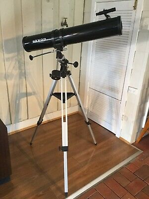 Saxon F1149 EQ Reflector Telescope