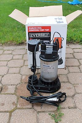 Everbilt 1/2 HP 4200 GPH Submersible Sump Pump SP05002VD Tested and Works (BBFL)