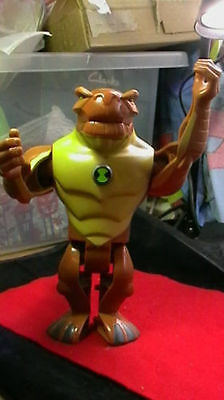 """Ben 10 Deluxe Humungousaur 8"""" Bandai 2008 Figures I Will Combined Postage"""