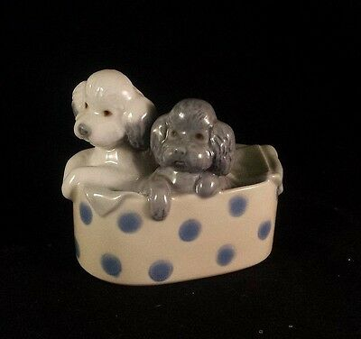 NAO LLADRO FIGURINE POODLES IN POLKA DOT SPOTTED BASKET Dogs Gray VINTAGE 1988