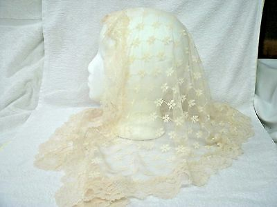 Vintage Lovely Ivory/ Beige Lace Mantilla --Scarf- Head Covering--Pretty Design