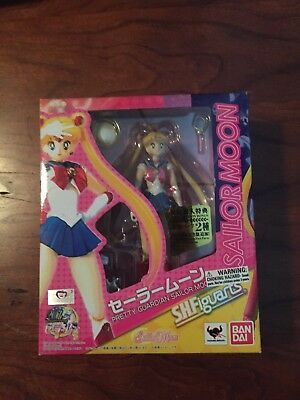 Bandai Tamashii Nations Sailor Moon S.H.Figuarts Action Figure - Sailor Moon