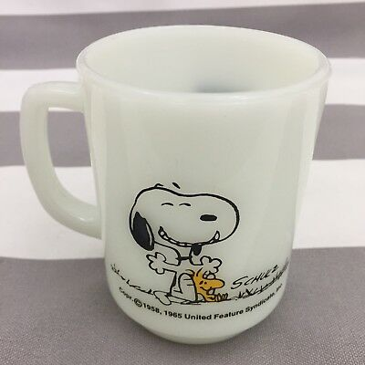 Vintage Snoopy Mug Woodstock Peanuts White A Good Day Anchor Hocking Fire King