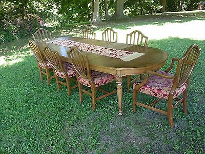 Karges Hepplewhite Style Walnut Dining Room Expanding Table, 8 Chairs, 3 Leaves