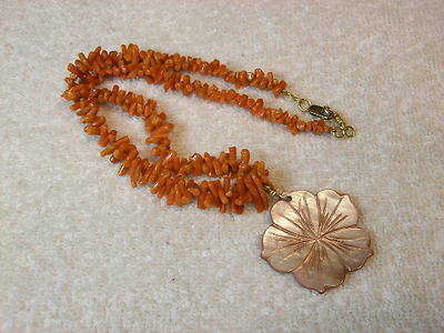 Coral & Shell Necklace / 18 Inches