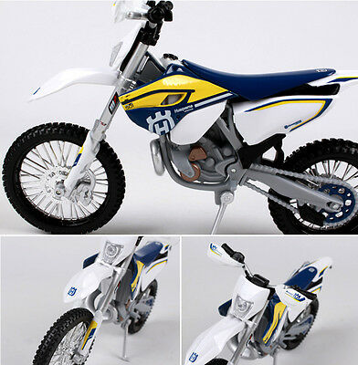 Maisto 1/12th 2015 Husqvarna FE 501 Alloy Diecast Motorcycle Vehicles Car Toy
