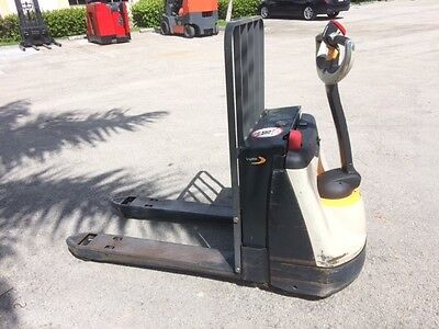 2010 Crown Electric Pallet Jack Wp2335-45 With On-Board Charger 4500 Lbs Cap
