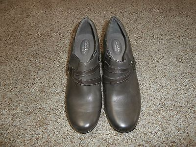 Clarks Bendables Women's Size 12  Brown Leather Buckle Zip Heel Ankle Boots