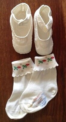 adorable: Mrs. Day's Ideal cotton shoes+Trimfit anklet socks with metallic trim!