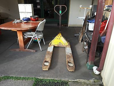 Pallet jack for parts or repair