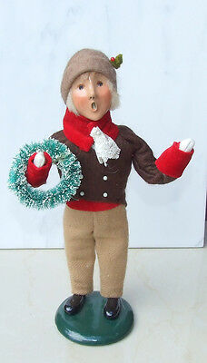 Byers Choice Caroler 1996 Victorian Male with Wreath Numbered 50/100