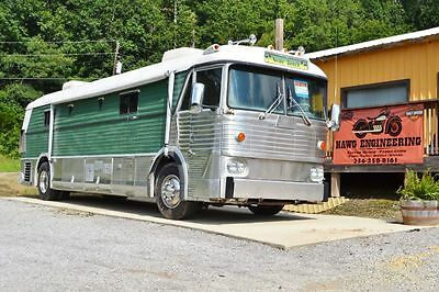 1966 GREYHOUND  MCI-5 Manual trans G80  1966 GREYHOUND  bus conversion RV Camper  MCI-5  pusher located in Alabama
