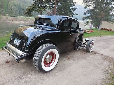 1932 Ford 5 window coupe  1932 Ford 5 Window Coupe
