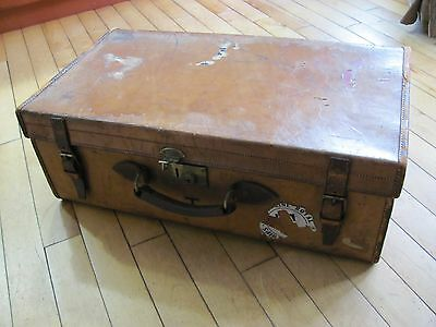 Vintage Henery Maxwell English Leather Steamer Suitcase.