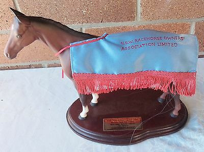 Shaftesbury Avenue Melbourne Cup  Nsw Race Horse Owners Trophy Royal Doulton